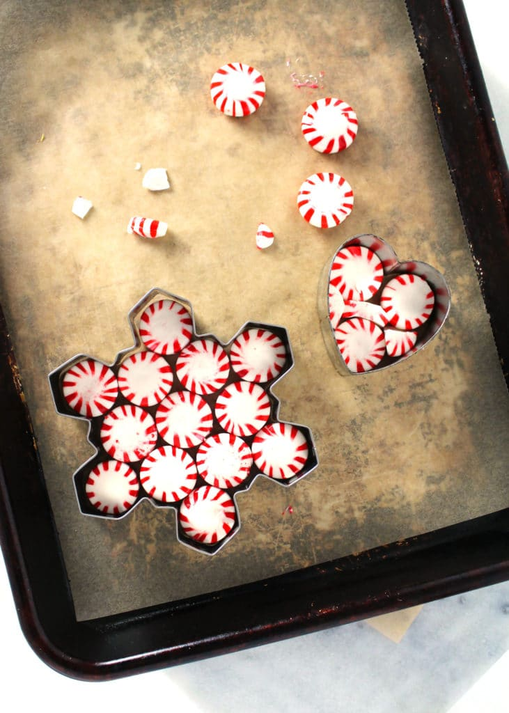 how to arrange the peppermint candies in the ornament cookie cutters