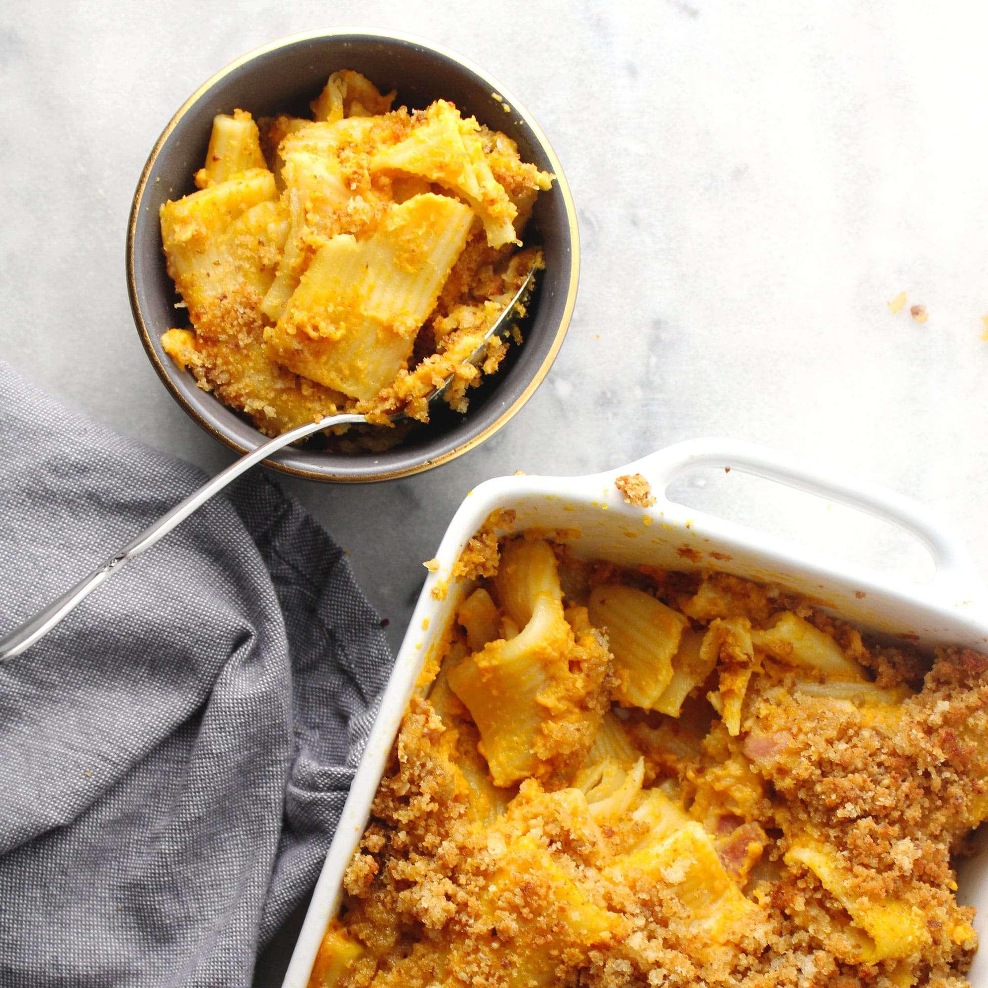Exceptionally cheesy and super creamy, this Pancetta Pumpkin Baked Pasta (aka pumpkin mac & cheese) is fall's guiltiest flavorful pleasure | via @AimeeMarsLiving | #Pumpkin #Pasta #Mac&Cheese