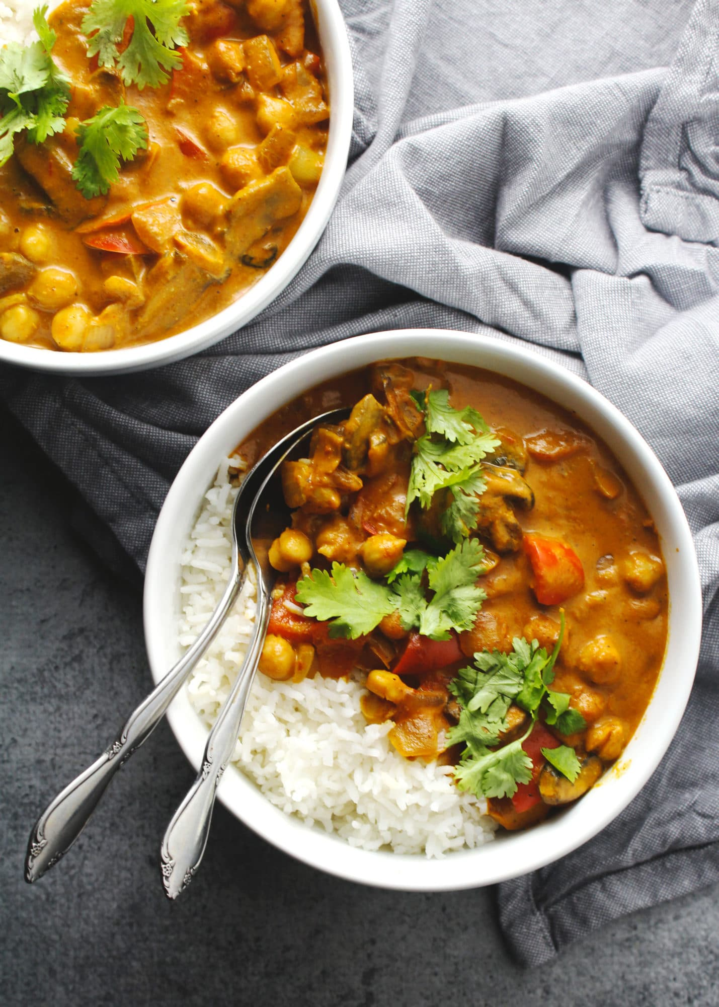 Vegetable Tikka Masala, because chicken doesn't have to have all the fun! This is a healthy and vegan take on a traditional Indian dish | via @AimeeMarsLiving | #Vegetable #Tikka #Masala #Vegan