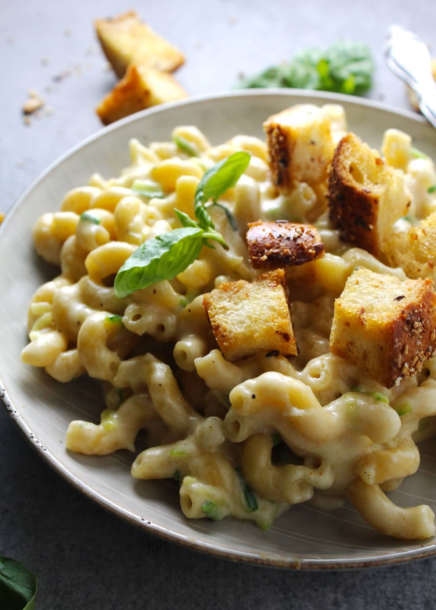 A super tasty comfort food favorite mac and cheese dinner for both kids and adults with hidden zucchini that even the pickiest eaters will eat | via @AimeeMarsLiving | #Macaroni #Cheese #Zucchini