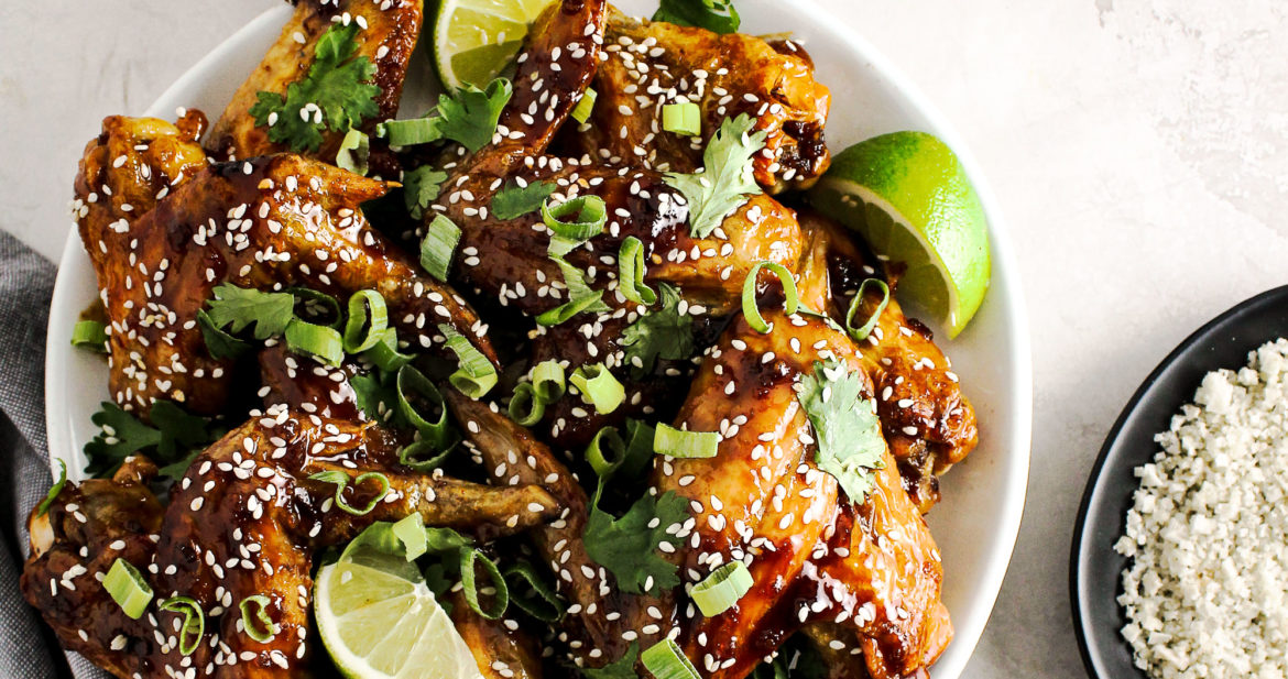 Crispy Baked Honey Sriracha Wings
